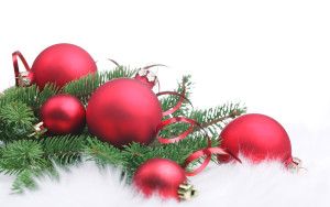 red-christmas-decorations-l-e8f4fbe38721a968
